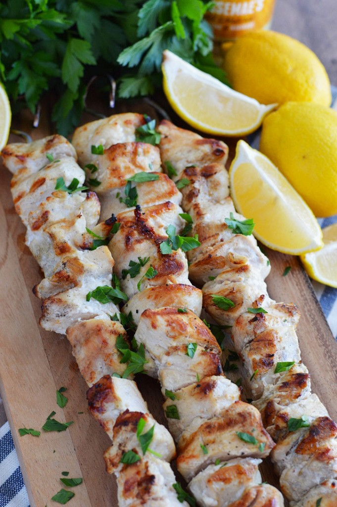 3-ingredient lemon garlic chicken skewers