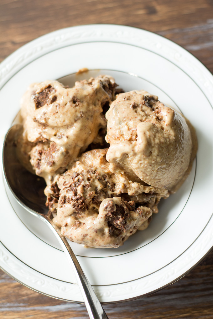 easy-almond-butter-chocolate-fudge-chunk-ice-cream