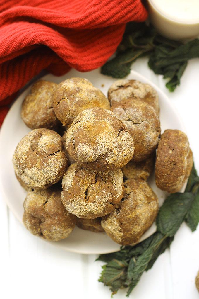 paleo-peppermint-chocolate-crinkle-cookies